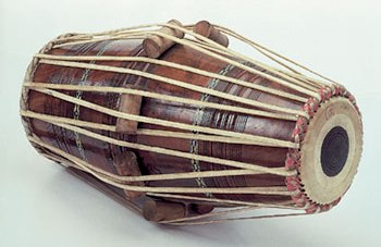 pakhawaj, a double-ended North Indian drum - www.binaswar.com